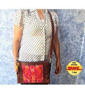 Travel cosmetic purse